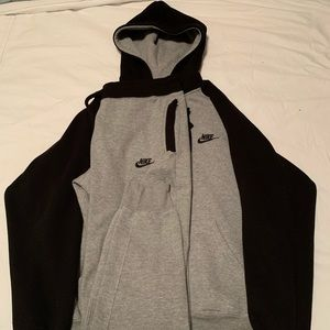 XL Nike Tech Sweatsuit